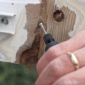 Houtrot verwijderen met houtrotfrees